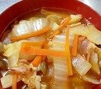 ベーコンと白菜のピリ辛スープ