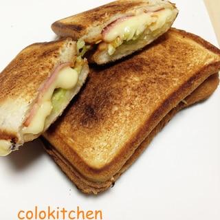 ホットサンド〜ベーコン・チーズ・キャベツ〜