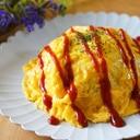 バター醤油で甘辛ひき肉オムライス