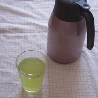 **綺麗な色♪水出し緑茶**