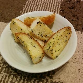 ロールパンで簡単ガーリックトースト