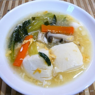 豆腐と野菜の中華スープ