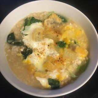 コロッケ、小松菜、もやし、卵の玄米雑炊