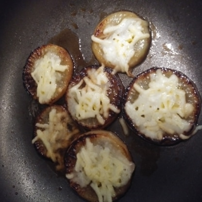 レンジで下茹でしたらすごく簡単に出来ました!美味しくてご飯のお供にもバッチリ!また作らせてもらいます。