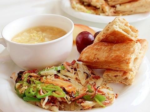 グラノーラパンとお芋のガレットのワンプレート朝食