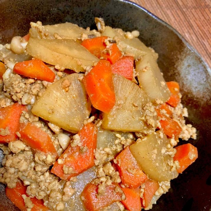 大根と鶏ひき肉のスパイシーソース煮込み