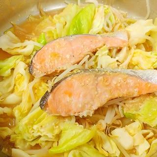 鮭とキャベツの味噌蒸し