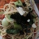 小松菜とあげと椎茸のコンソメトマトパスタ