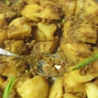 ジャガイモとレンズ豆のコリアンダー煮