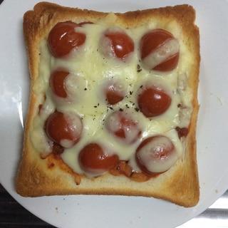 ミニトマトたっぷり♪ピザトースト