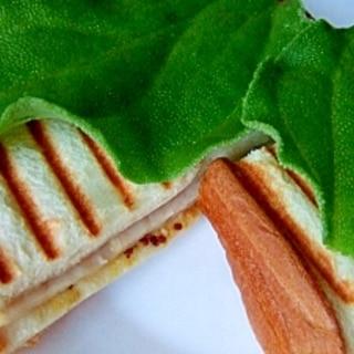 ビタントニオ*パニーニでハム&チーズのホットサンド