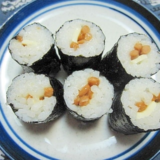 チーズと納豆の細巻き寿司