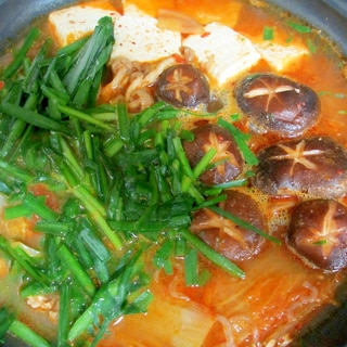 豚肉と白菜のピリ辛鍋