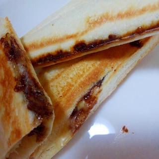 バナナ×チョコ×チーズのホットサンド(柿でも♪)