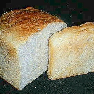 ちょっぴり ヘルシーで減塩パン