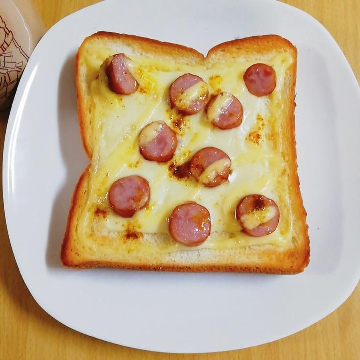朝食♡食パンでウインナーのチーズトースト