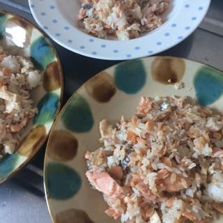 鮭×鶏ハム×納豆♪ごちゃ混ぜ炒飯