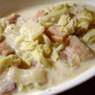 バターなしお米でとろみ 白菜とベーコンのシチュー