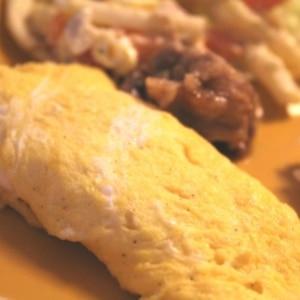 朝にぴったり、濃厚チーズオムレツ