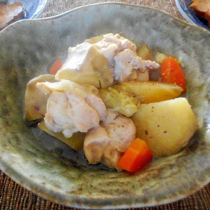 鶏肉とさつま芋と白菜の塩バター煮