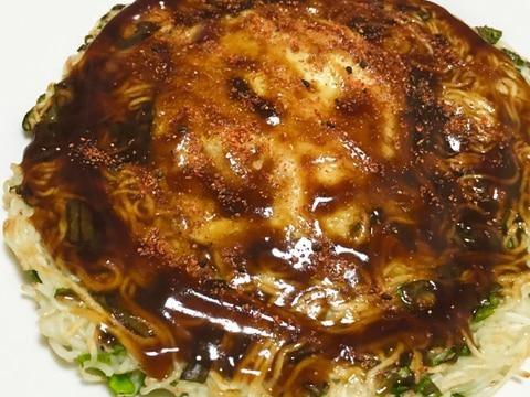残った素麺で♪むっちりねぎ玉焼きソース七味♡