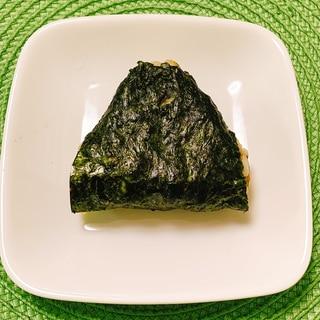 おにぎり(海苔の佃煮×梅干し)