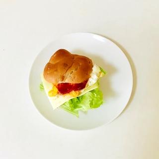 チーズと卵のサンドイッチ