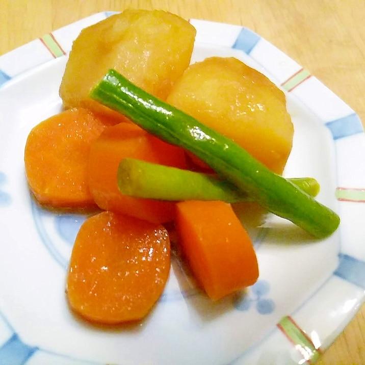 ジャガイモとニンジンとインゲンのバター醤油煮