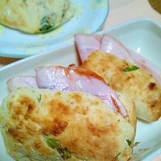 ホットケーキMIXと山芋とろろでもちふわパン?!