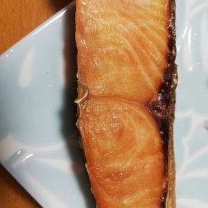 フライパンで作る鮭の塩焼き