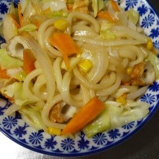 ごま油香る、野菜とちくわの焼きうどん(^^)