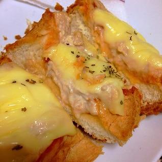 厚切りパンで簡単!喫茶店のツナチーズトースト