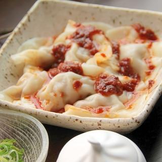台湾の定番料理『紅油抄手(ホンヨウチャオショウ)』