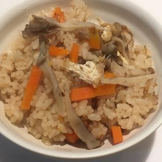 子供も食べられる薄味の舞茸の炊き込みご飯