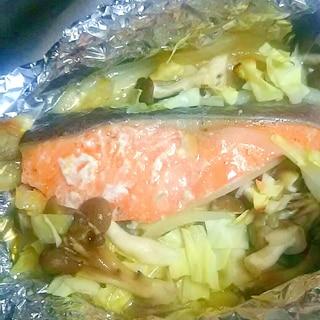 鮭のあさり入りホイル焼き