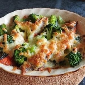 鮭とブロッコリーのチーズ焼き