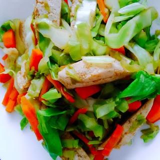 簡単☆サラダチキンと野菜のカレー風味炒め