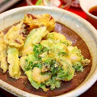 むき海老とセロリ葉の天ぷら