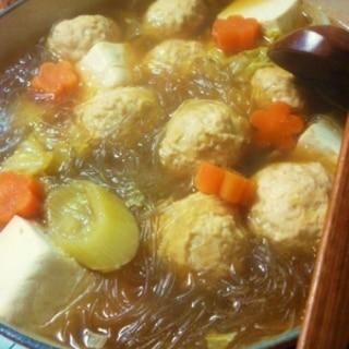 安い胸肉で☆やわらか鶏団子鍋