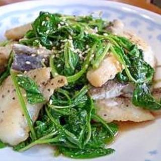 白身魚とルッコラのさっと炒め