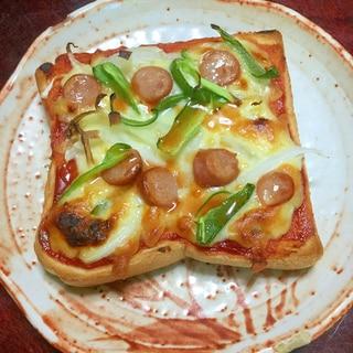 ウインナーのピザトースト@ケイジャンスパイス風味。
