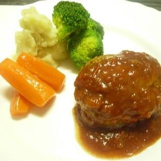 肉汁溢れる!ホテルレシピのジューシーハンバーグ