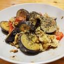パン&ご飯♪たっぷり野菜のマヨスクランブルエッグ