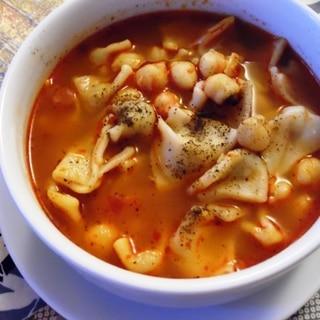 トルコ料理★ひよこ豆とマントゥのスープ