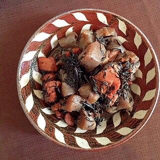 簡単3ステップ☆いちごジャムで鶏肉とひじきの煮物
