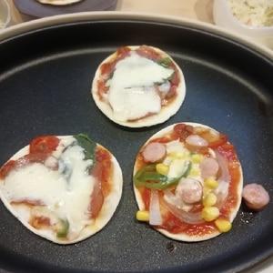 """子供が喜ぶ♪我が家の""""ホットプレートピザ"""""""