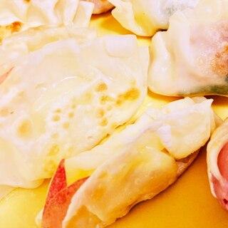 閉じこめられた林檎うさぎのチーズ揚げ餃子