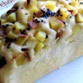 パウンド型で☆でっかいサツマイモの蒸しパン。