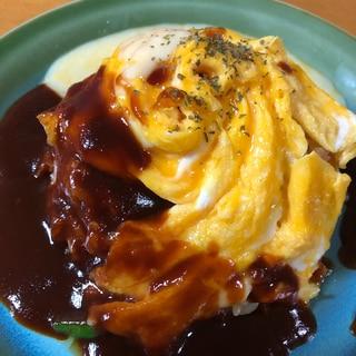 激ウマ!濃厚ソースとチーズのドレスオムライス