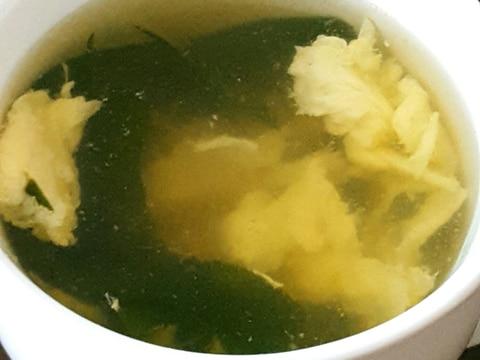 鶏肉のゆで汁で!わかめスープ♪♪